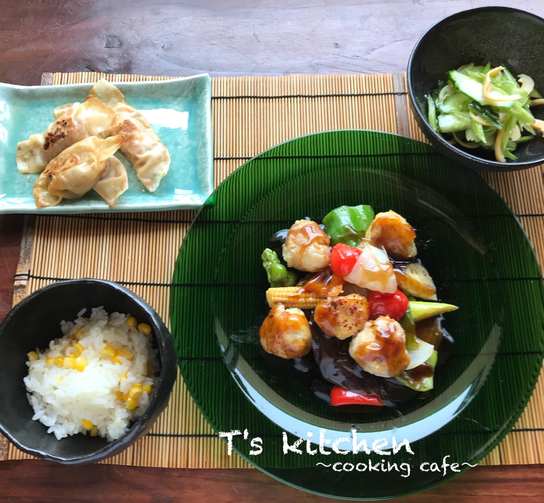 彩り野菜と豚肉の黒酢あんかけ