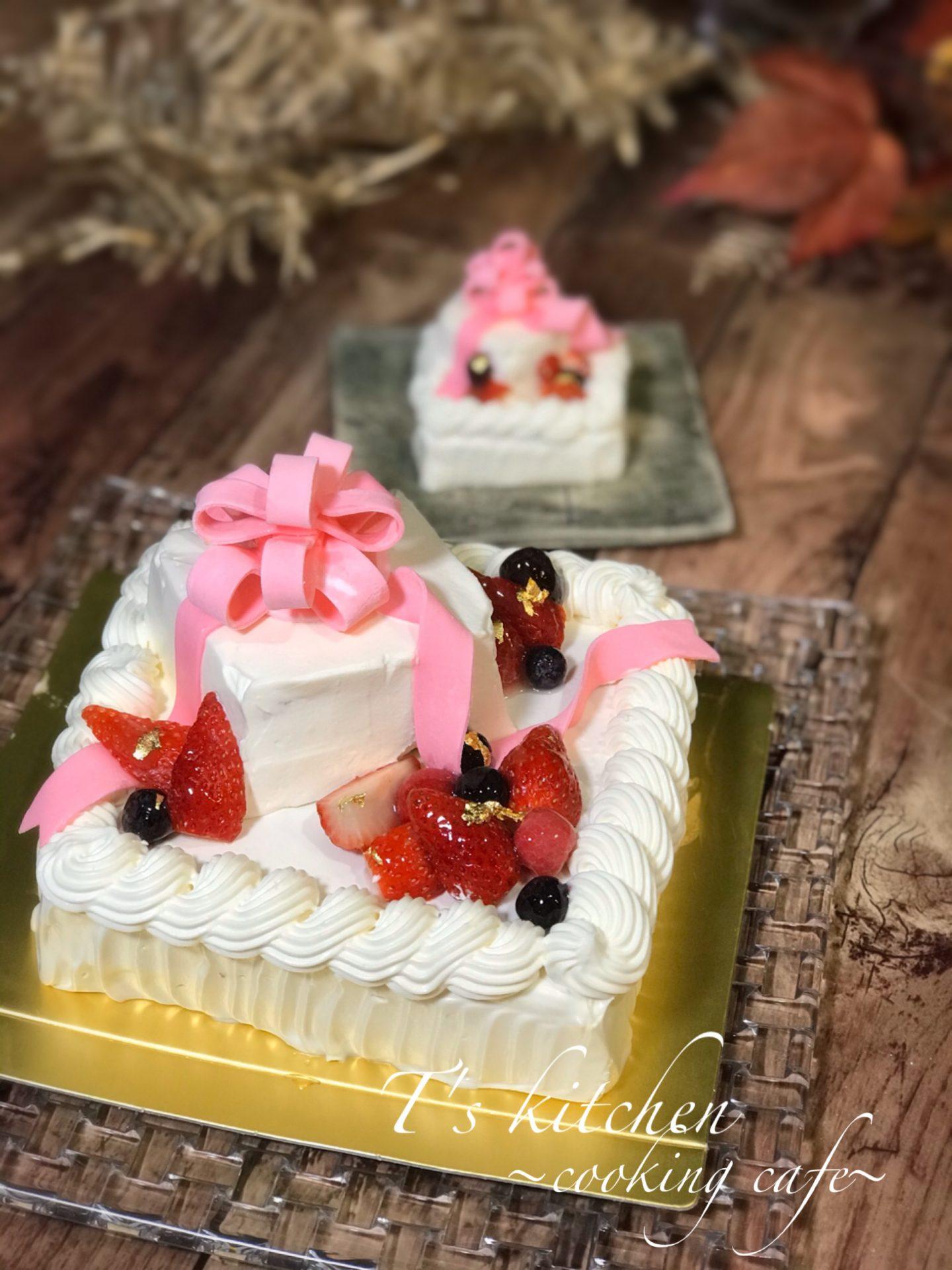 スクエア2段ケーキ